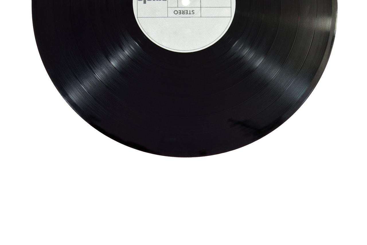 a black record vinyl